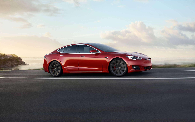 Tesla'dan yeni animasyonlar içeren bir güncelleme paketi geldi.