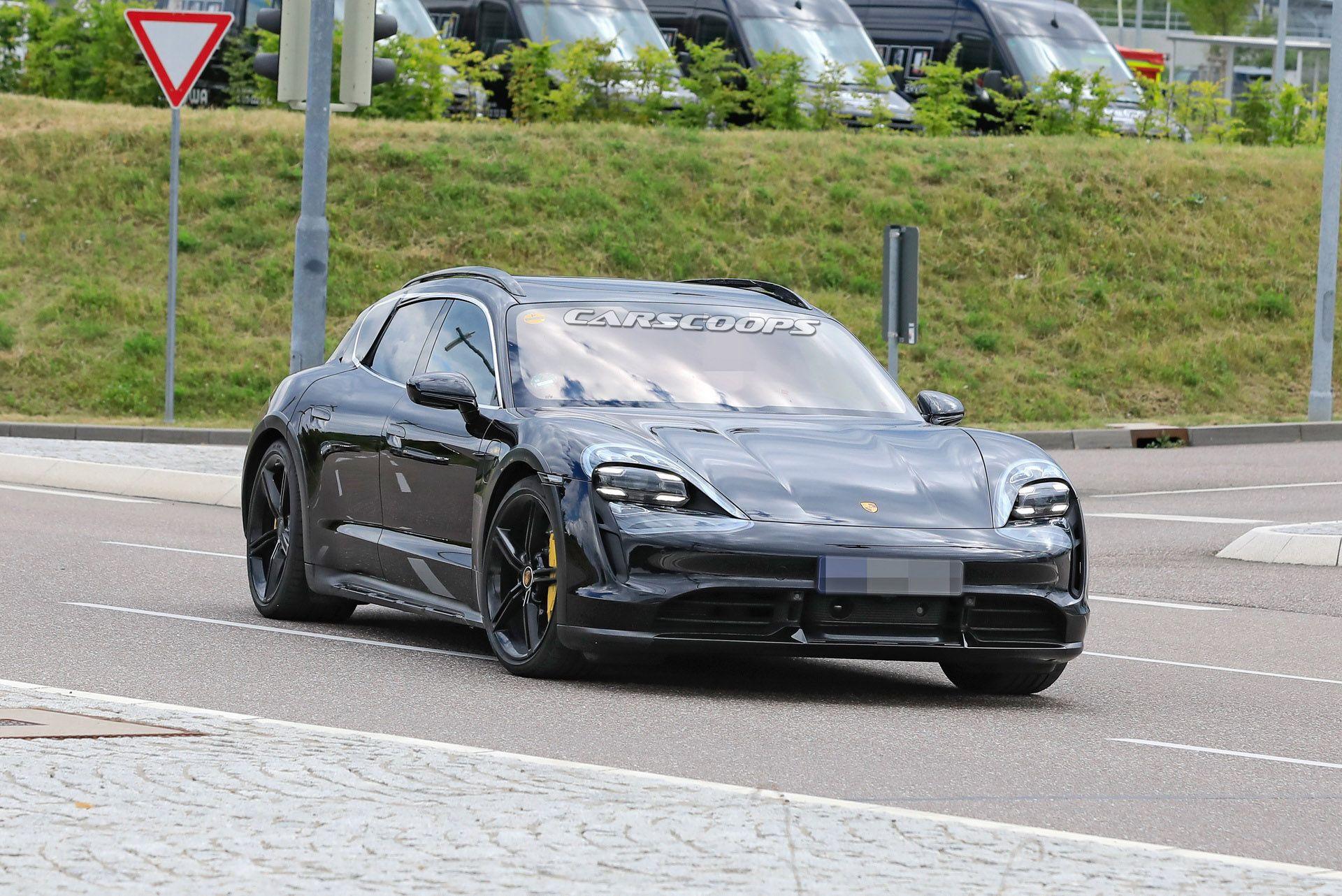 Porsche Taycan Cross Turismo, satışa çıkmak için gün sayıyor.