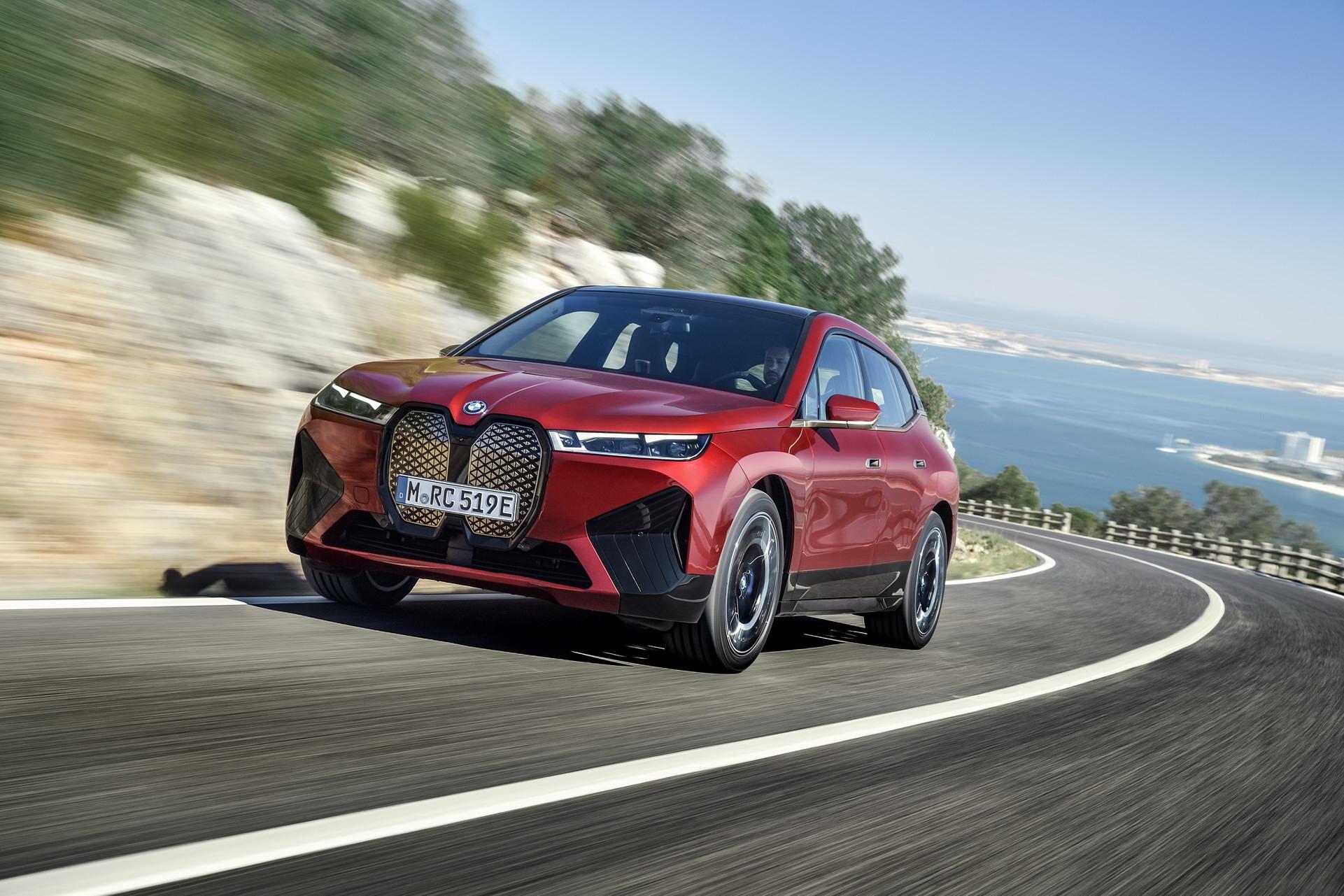 BMW iX nihayet tanıtıldı