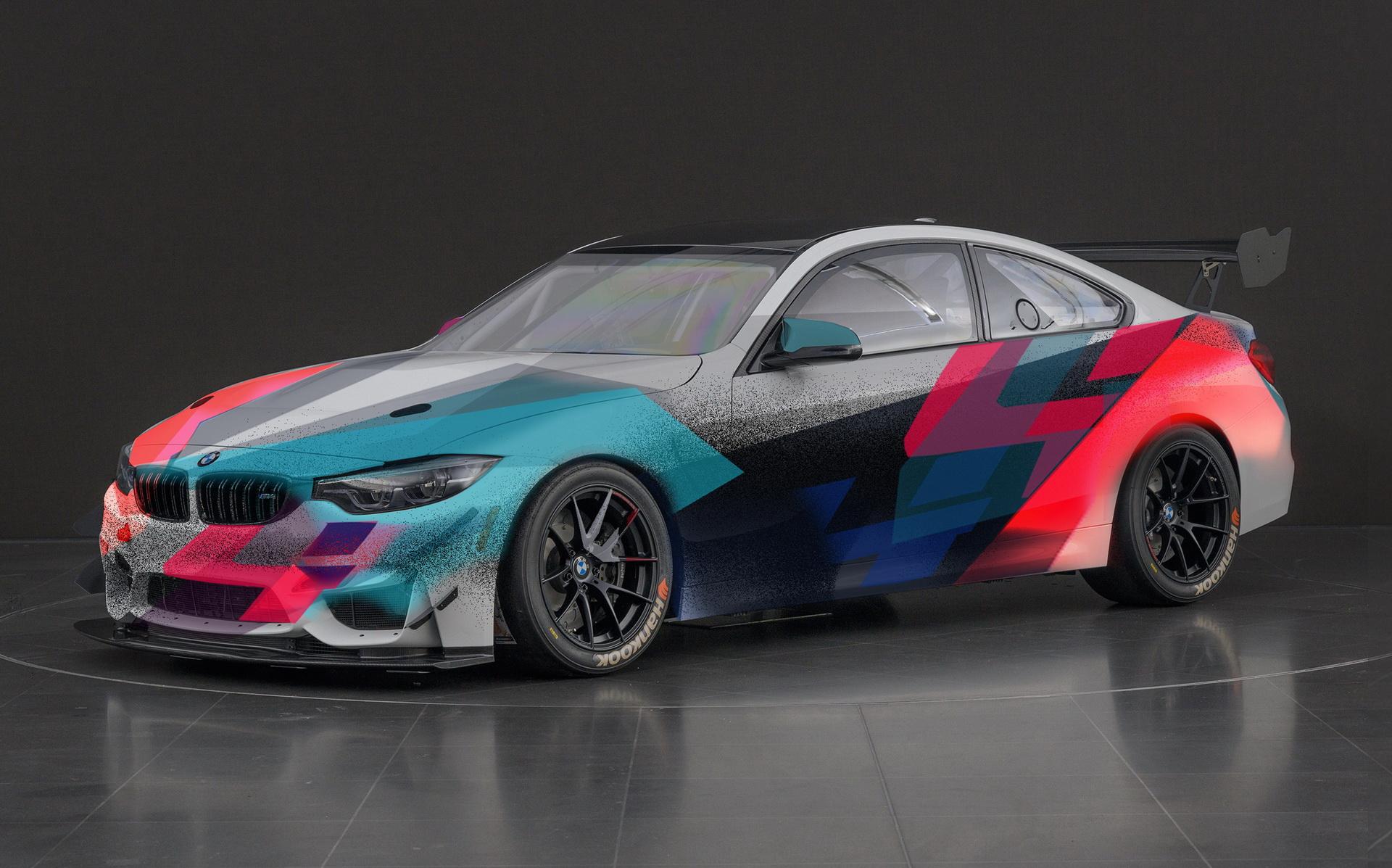BMW, yarışacak M4 için yepyeni tasarımlarını tanıttı