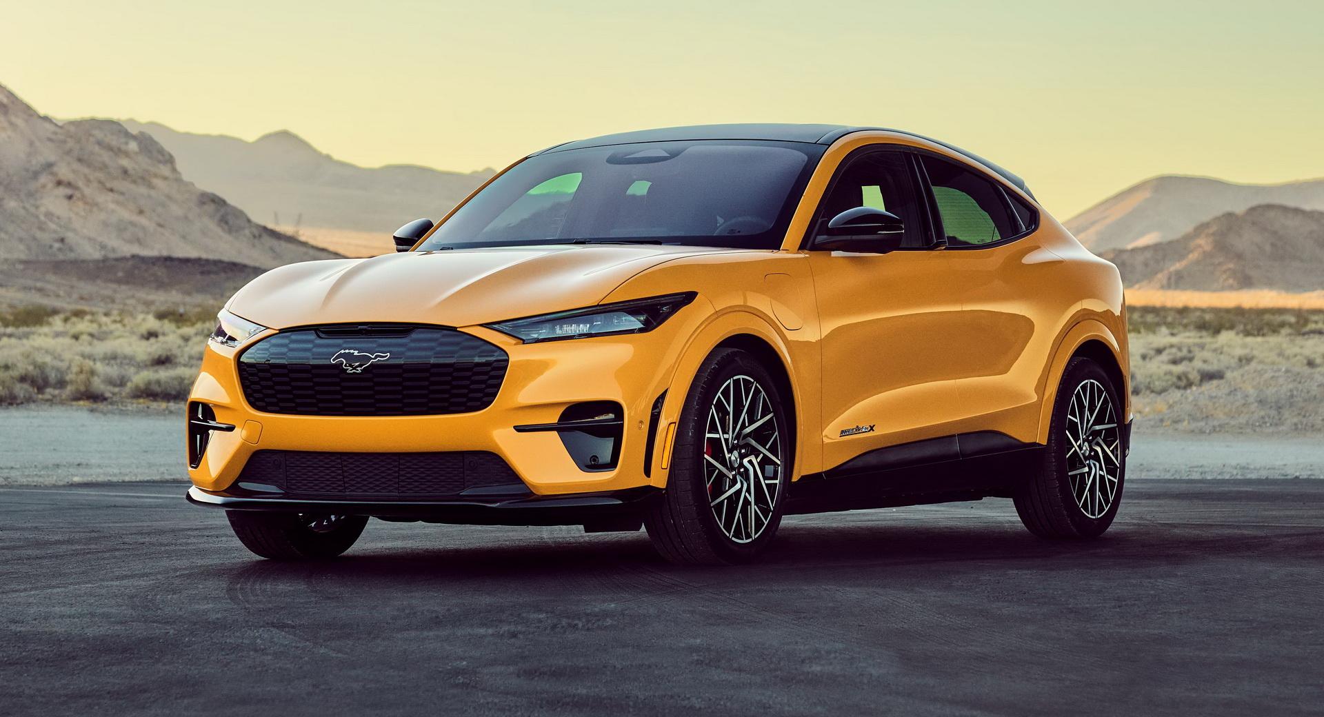 Mustang Mach-E'nin en hızlı versiyonu tanıtıldı