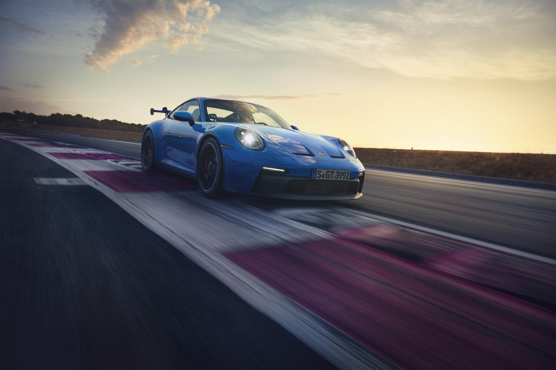 Merakla beklenen 911 GT3 tanıtıldı