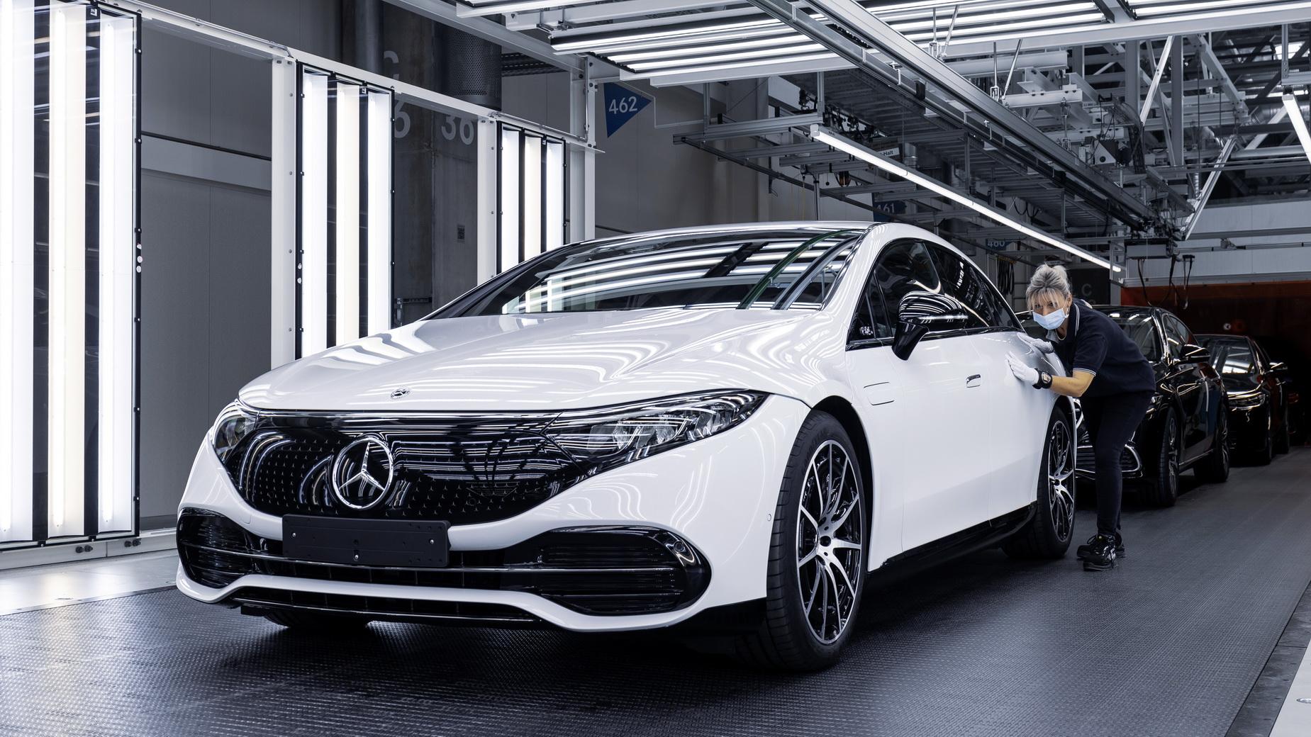 Mercedes, EQS'in üretimine start verdi