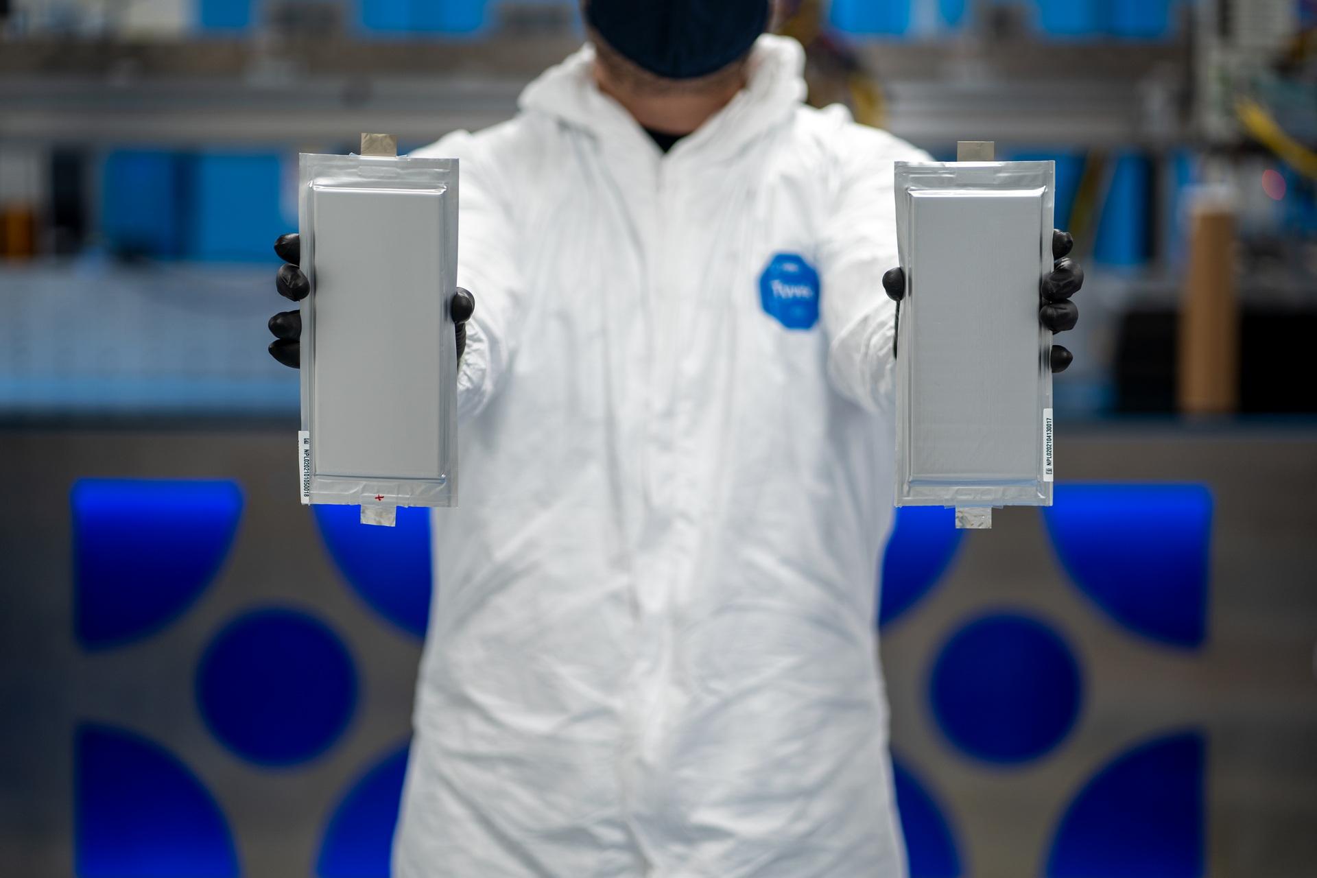 BMW ve Ford, yeni batarya teknolojisi için 130 milyon dolarlık yatırım yaptı
