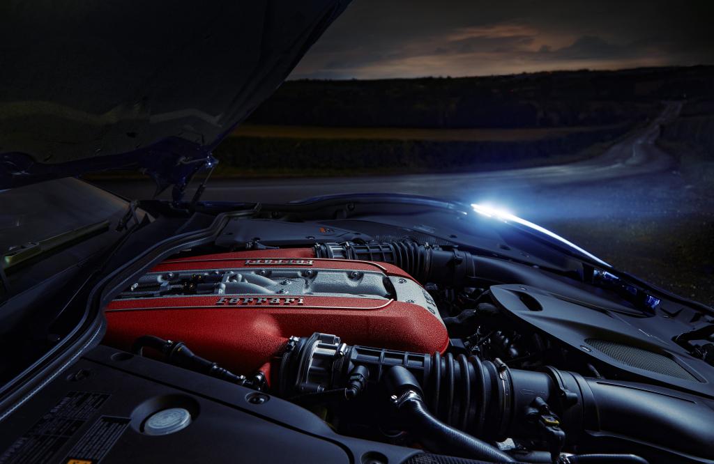 Ferrari'den gelecek için V12 müjdesi