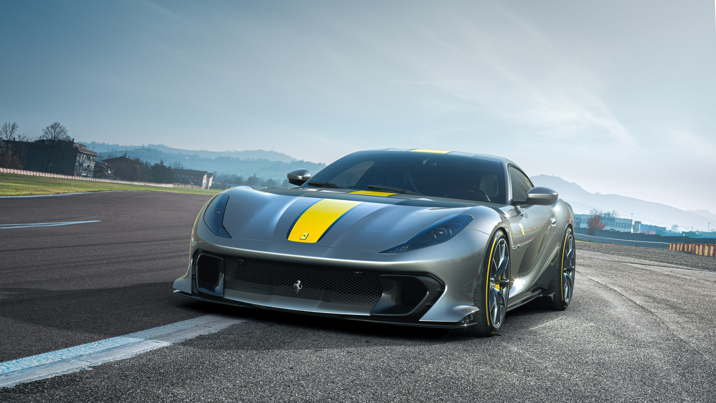 Superfast'ten de süper: Ferrari 812 Competizione
