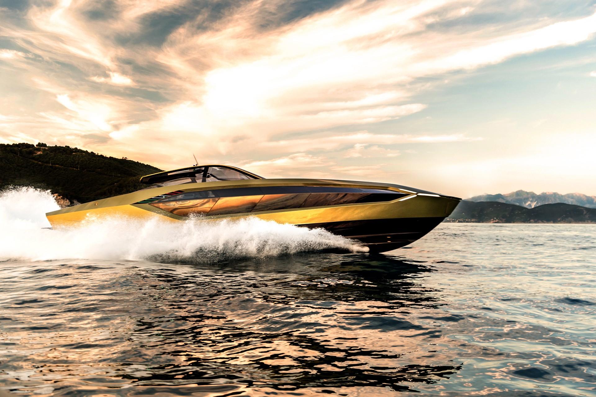 Lamborghini'nin yeni yatı denize indi