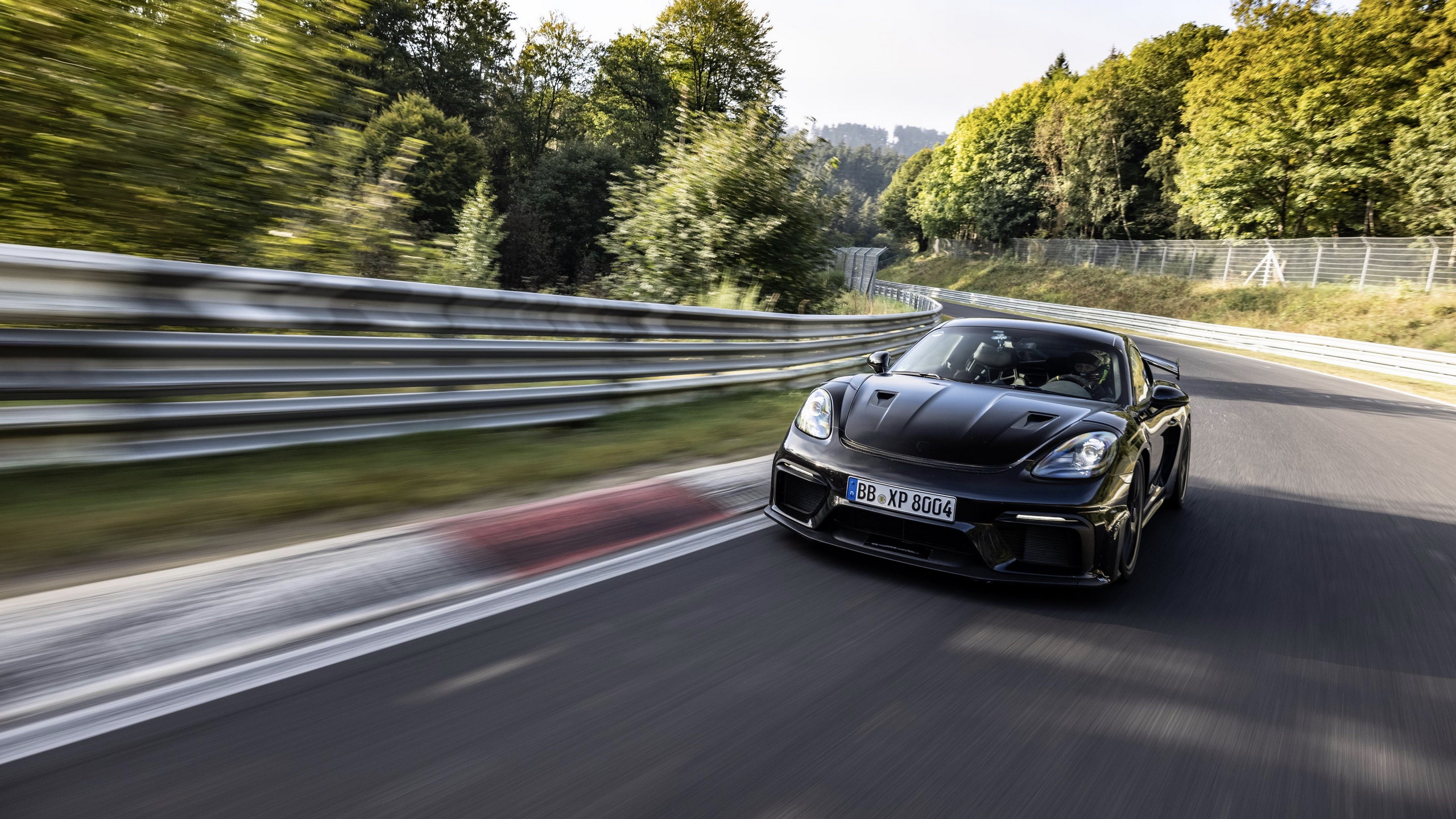 Porsche 718 Cayman GT4 RS Nürburgring'e ayak bastı